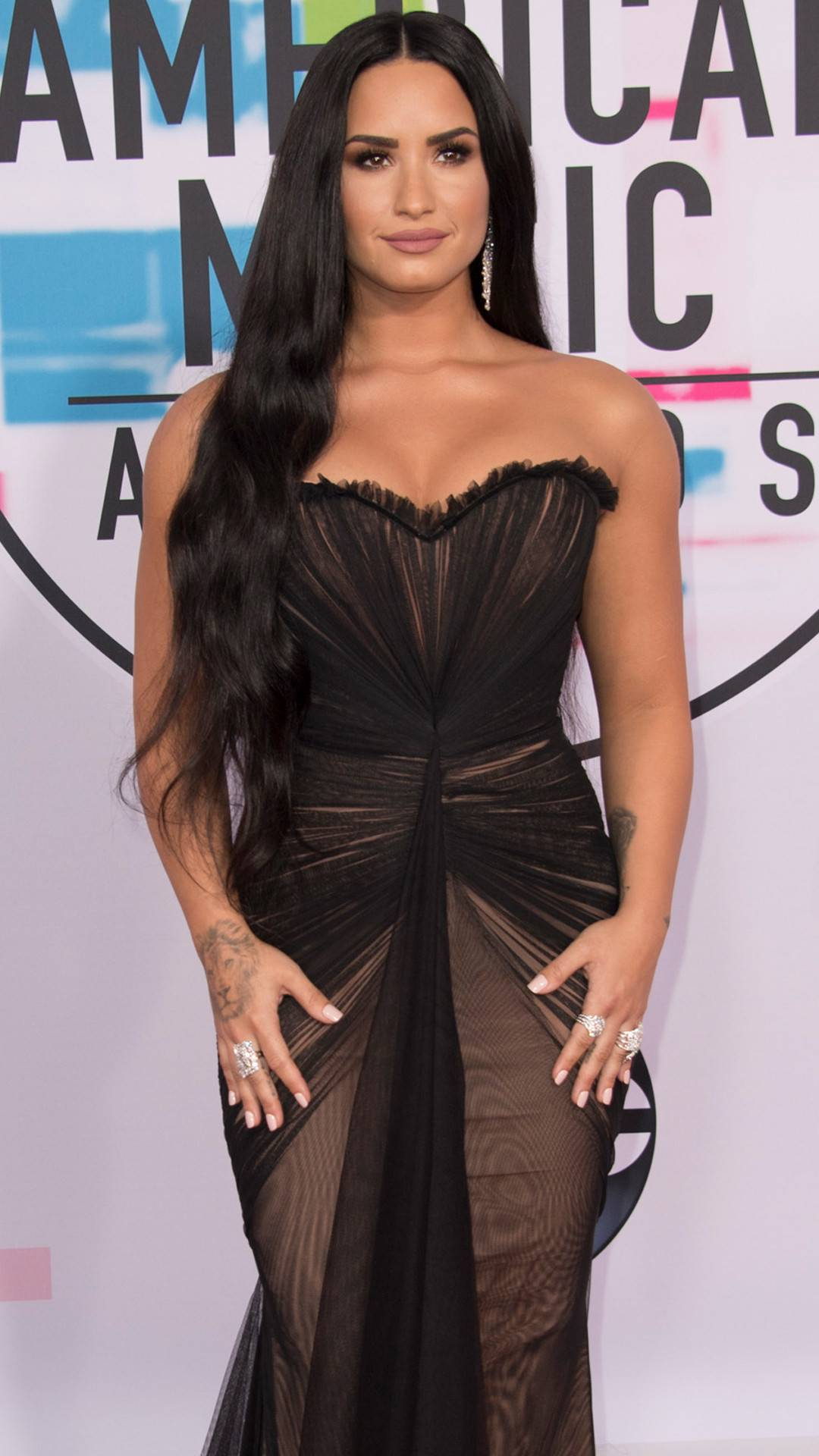 Demi Lovato Temporarily Leaves Rehab for Treatment in Chicago