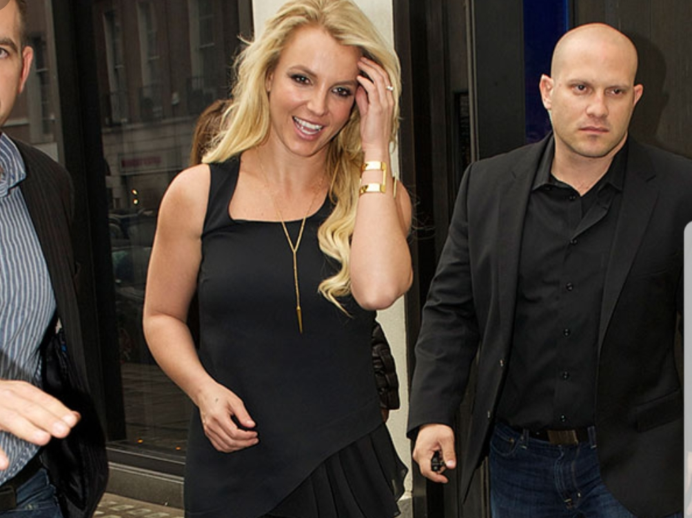 Britney Spears Speaks in English Accent Onstage at London Concert