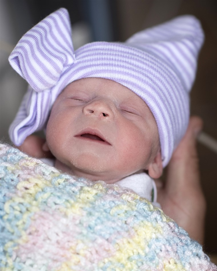 First baby in the U.S. born from transplanted womb of dead donor
