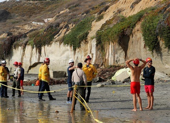 3 dead in cliff collapse at Southern California beach
