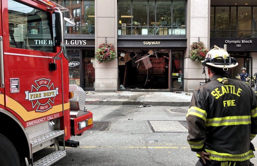 5 people injured after dump truck crashes into Seattle Subway restaurant