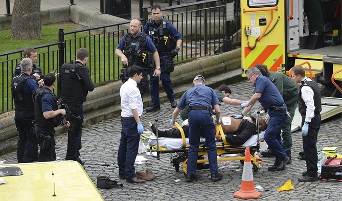 Several people injured 'in the London Bridge incident, police say