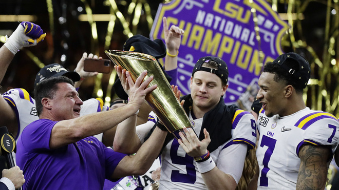NCAA Joe Burrow finishes the best quarterback season in NCAA history