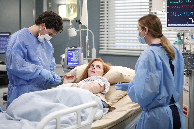 Grey's Anatomy Season 17 Will Feature The Coronavirus Pandemic