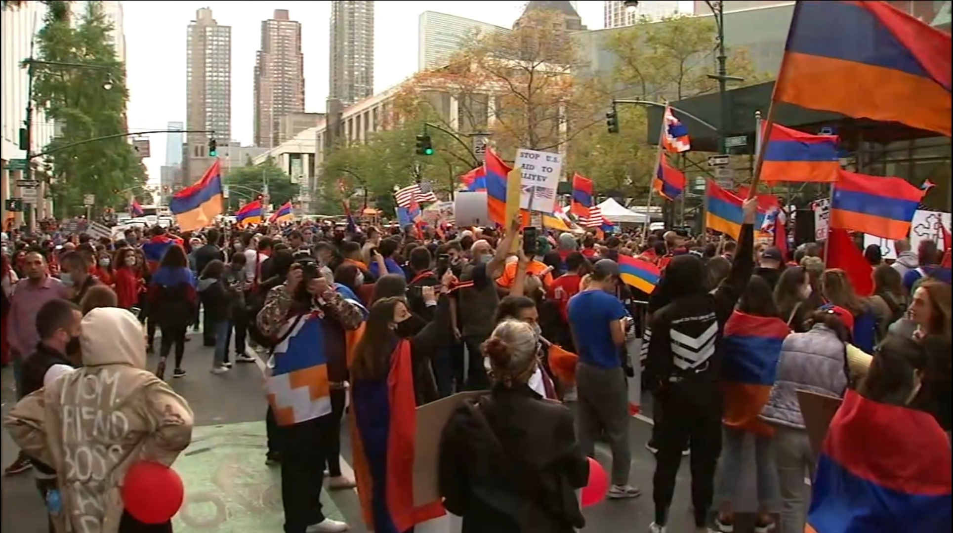 Armenian demonstrators block Manhattan street, call for aid