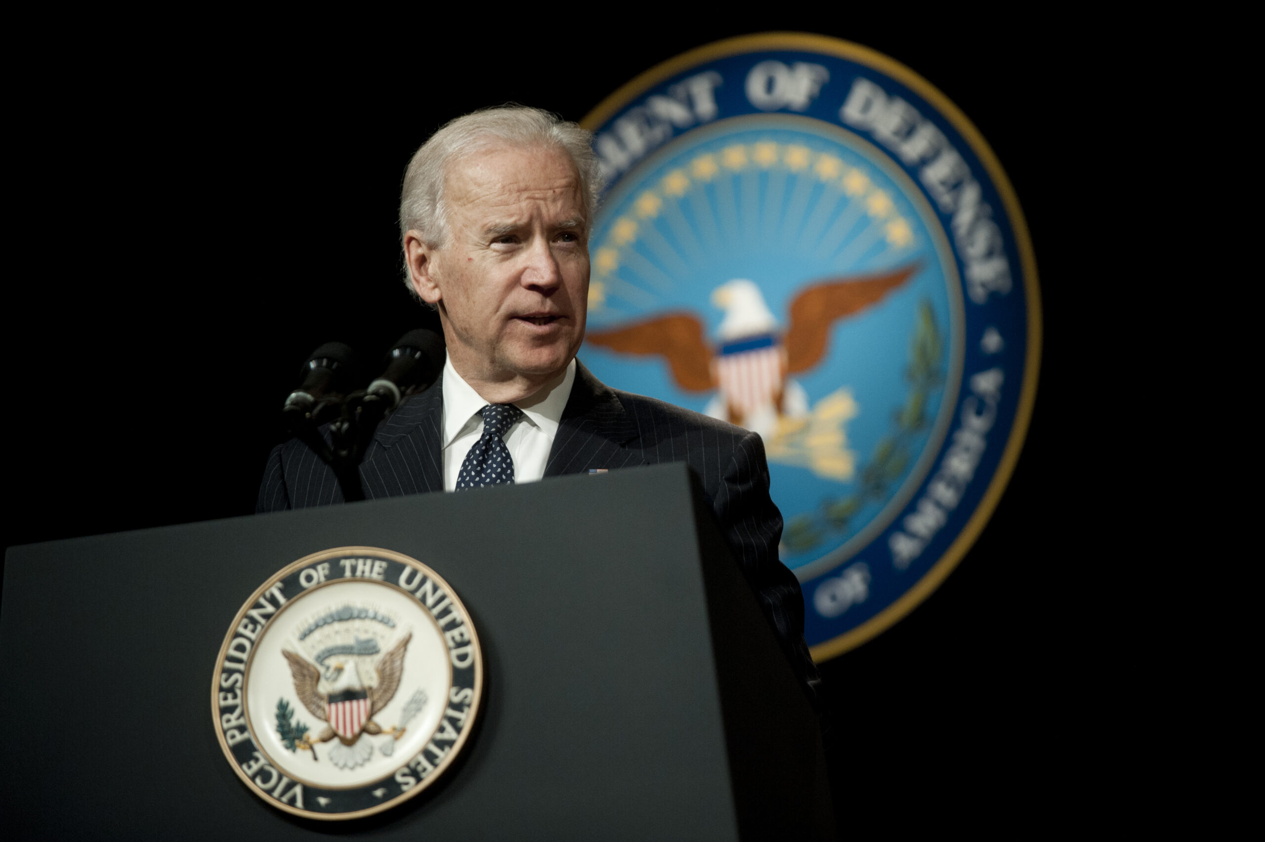 Pentagon Chief Orders Pause in Cooperation with Biden Transition