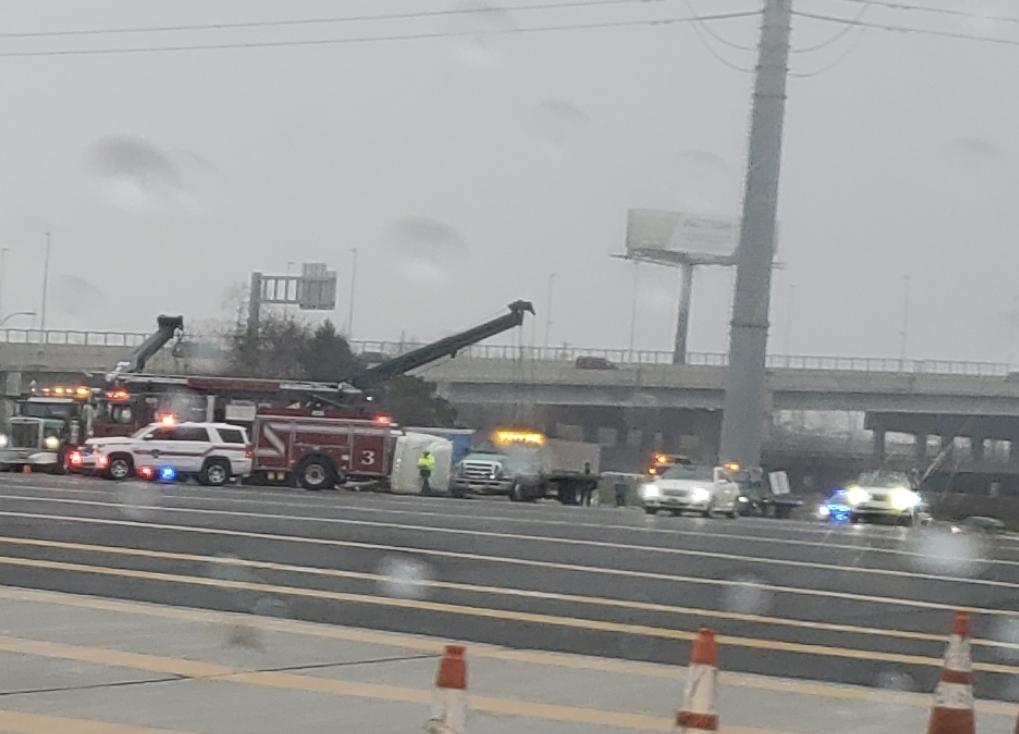 Amazon truck flips over in New Jersey 278 highway
