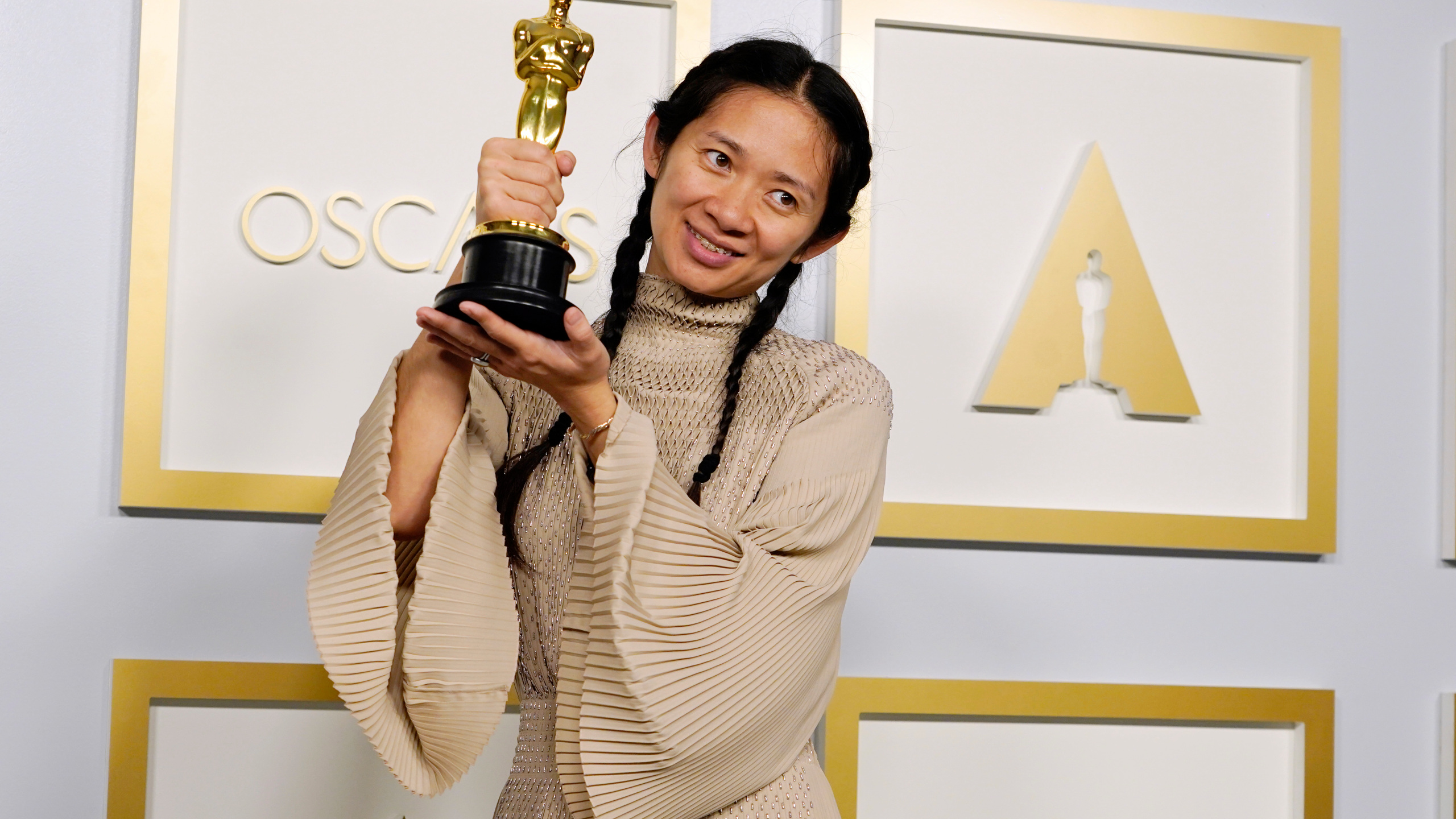 Nomadland Leads 2021 Oscar Winners