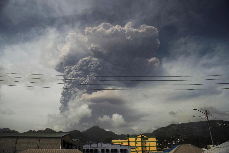 Volcano keeps erupting St. Vincent