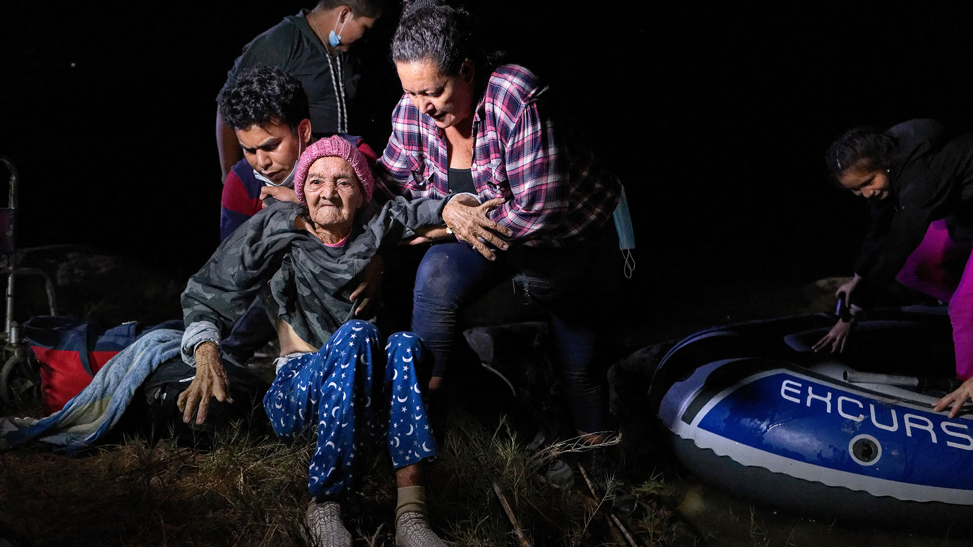 A 93-year-old Honduran migrant granny crossed the US-Mexico border in a wheelchair
